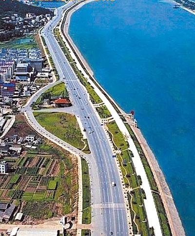 范围从月亮岛大桥至黑石铺大桥25公里,湘江大道和潇湘大道各外延500米