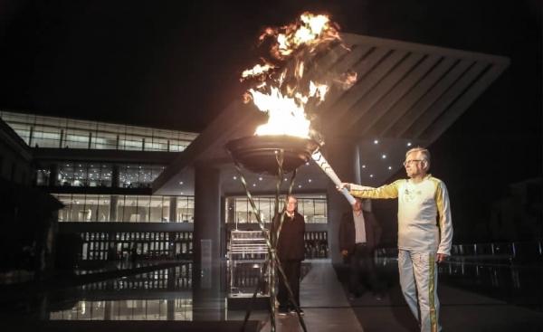 里约奥运会圣火在希腊境内传递2000多公里后