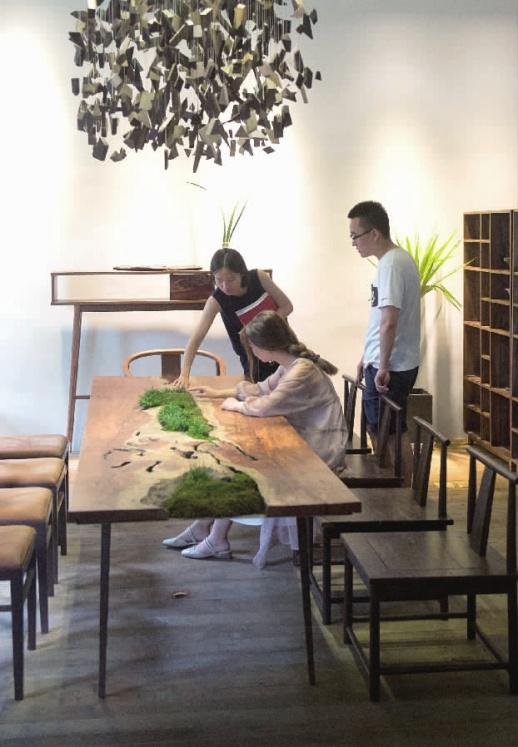 近几年出现独立设计师品牌家具快速增长的趋势,成为传统中式红木家具